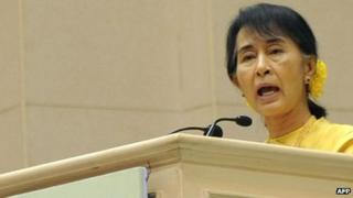 Aung San Suu Kyi delivers her Nehru Memorial Lecture in Delhi on Wednesday