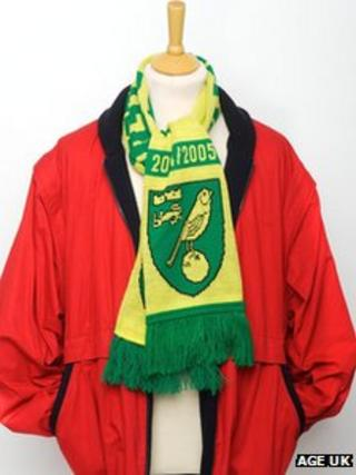 Stephen Fry's scarf donated to Age UK