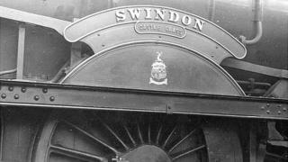 GWR Castle Class locomotive No. 7037 Swindon