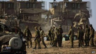 Israeli soldiers near the border with Gaza, 17 Nov