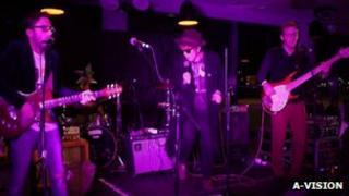 Jackknife Horsebox playing at Kai Bar