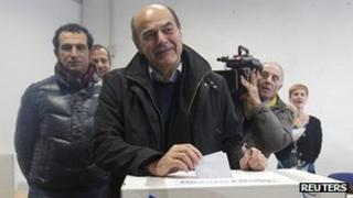 Pier Luigi Bersani voting - 2 December