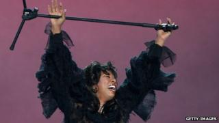 Donna Summer performs at the Nobel Peace Prize Concert in Norway (11 December 2009)