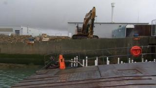 Work on Weymouth harbour wall