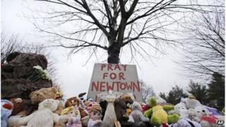Makeshift memorial in Newtown, Connecticut, 17 December