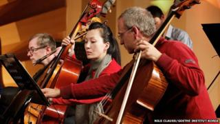 German and North Korean musicians working together
