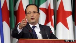 Francois Hollande speaking in the Algerian parliament