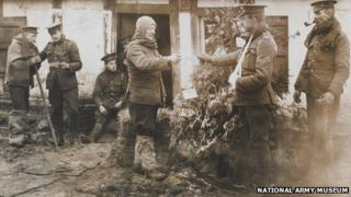 WWI soldiers getting Christmas parcels