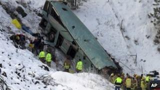 Rescue crews at a bus crash in Oregon