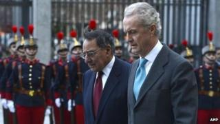 US Secretary of Defense Leon Panetta (centre) with Spanish Defence Minister Pedro Morenes Eulate in Madrid, Spain 15 January 2013
