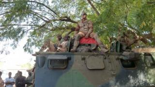 Troops from the French Navy Infantry Regiment arrive near the town of Markala to secure a strategic bridge on the Niger River on 16 January 2013