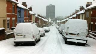 Snowy road in Swindon