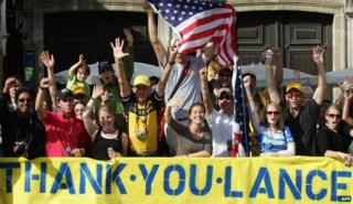 Lance Armstrong fans celebrate his seventh Tour victory, 2005