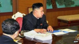 Kim Jong-un at a high level meeting in Pyongyang (27 Jan 2013)