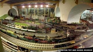 1930s 0 Gauge railway layout