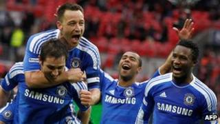 Chelsea players celebrate in 2012 FA Cup final