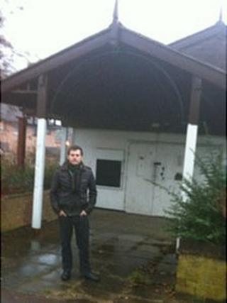 Councillor Robert Middleton outside Hodge Lea meeting place