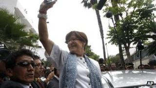 Susana Villaran waves to her supporters in Lima. Photo: 17 March 2013