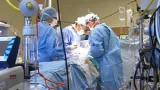 Surgeons in Leeds