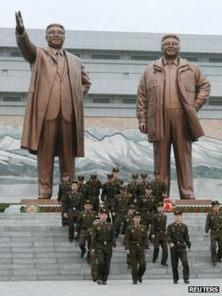 Bronze statues of Kim Il-sung (left) and Kim Jong-il in Pyongyang
