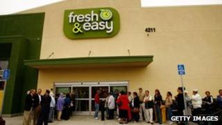 Fresh and easy store in US - opening day