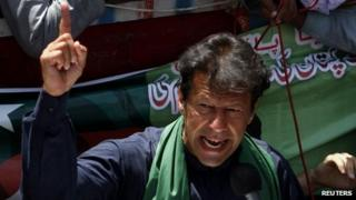 Imran Khan addresses supporters after a visit to the mausoleum of Mohammad Ali Jinnah, 7 May