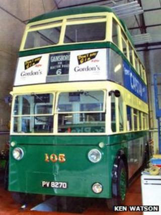electric trolleybus No.105