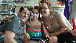 Sarah Murnaghan, centre, celebrates the 100th day of her stay in Children's Hospital 30 May 2013