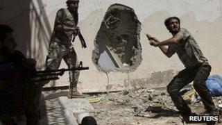 Free Syrian Army fighters in Deir al-Zor. 14 July 2013