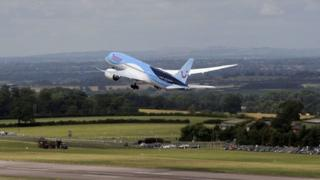 Inaugural East Midlands 787 Dreamliner flight