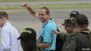 Gernot Wober arrives at Barrancabermeja airport, Colombia (27 Aug 2013)