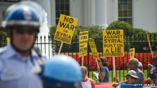 Anti-war protestors in front of the White House