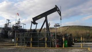 Nodding donkey at Kimmeridge oilfield