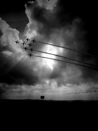 Red Arrows/Pic: Angie Brown