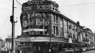 Yates's Wine Lodge before the fire