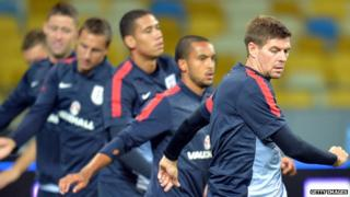 England warm up in a training session before Tuesday's big game