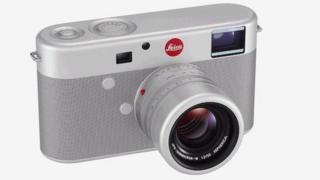 Jonny-Ive designed camera