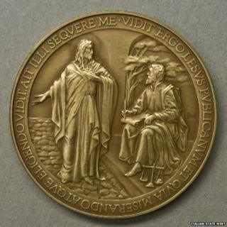 "The withdrawn papal coin showing the word ""Jesus"" misspelt as ""Lesus"""