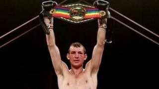 Boxer Derry Mathews