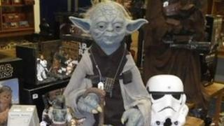 Star Wars memorabilia to be auctioned