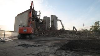 Water Eaton Grain Silo demolished