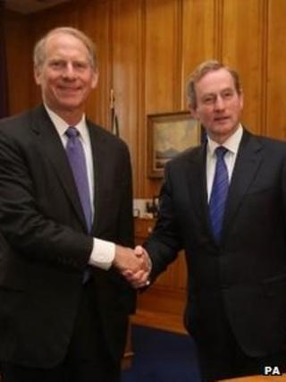 Richard Haass (left) meets Taoiseach Enda Kenny at Government Buildings in Dublin