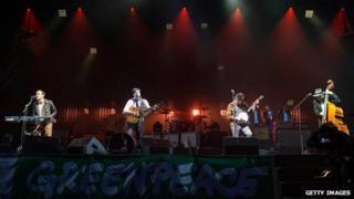 Mumford & Sons close the Glastonbury Festival