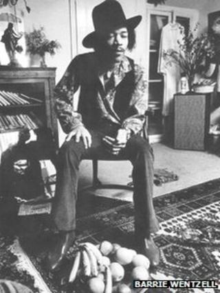 Jimi Hendrix in his 23 Brook Street flat