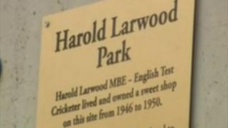 Harold Larwood plaque