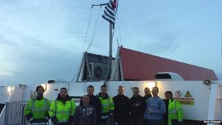 French crew raise the Breton flag