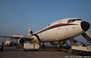 DC-10 awaiting take off