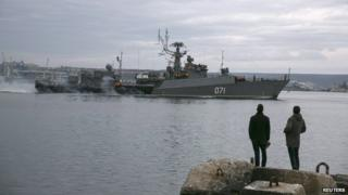 Russian ship enters Sevastopol 02/03/14