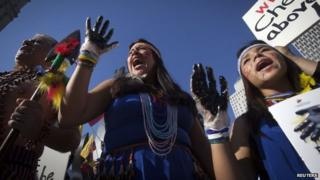Ecuadoreans protest against Chevron in New York, Oct 13