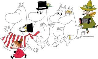 Moomins dancing